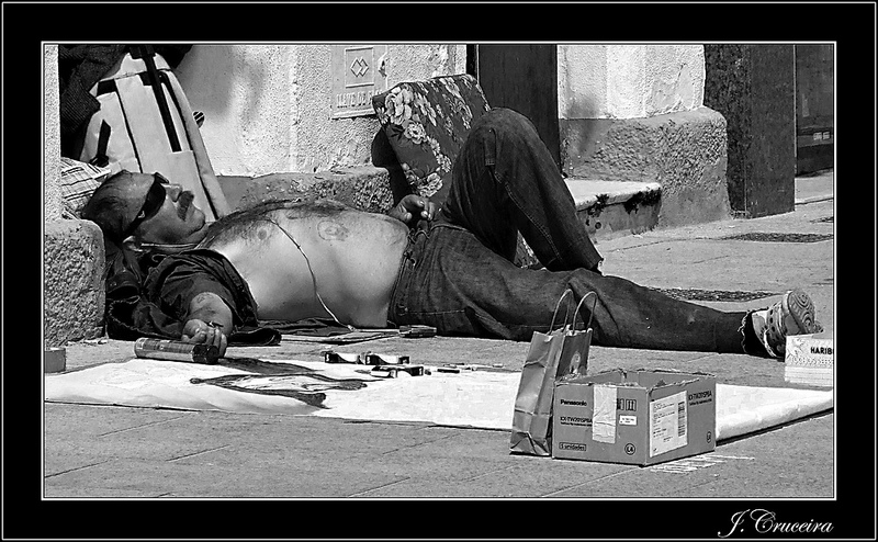 reto-48-pobreza-indigentes-en-nuestras-calles-Juan-Cruceira-Arteaga